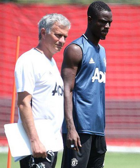 Hoc tro Mourinho: Tu bao ve thanh sao Man United - Anh 3