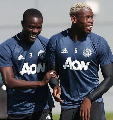Hoc tro Mourinho: Tu bao ve thanh sao Man United - Anh 5
