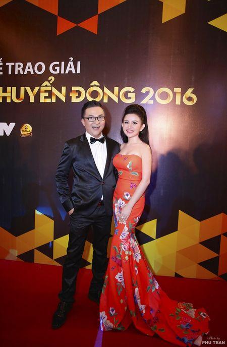 Janny Thuy Tran cuoi rang ro canh MC Dai Nghia - Anh 2