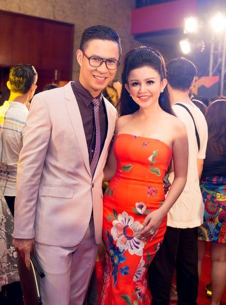Janny Thuy Tran cuoi rang ro canh MC Dai Nghia - Anh 5