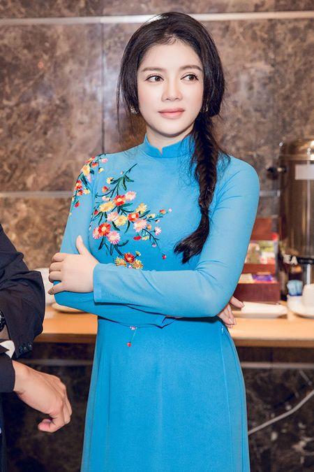 Ly Nha Ky mac ao dai gian di tiep kien Tong thong Phap - Anh 9