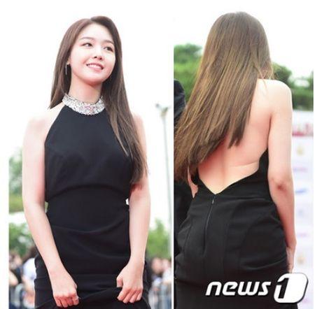 Kpop style 8/9: Min Ah, Hyeri dua nhau khoe lung tran sexy - Anh 3