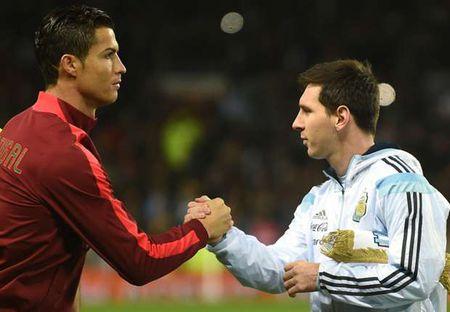 Xavi: 'Chi fan Real Madrid moi cho rang Ronaldo tai nang hon Messi' - Anh 1
