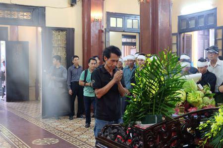 Loi tien biet dam nuoc mat cua dong nghiep viet cho NS Han Van Tinh - Anh 1