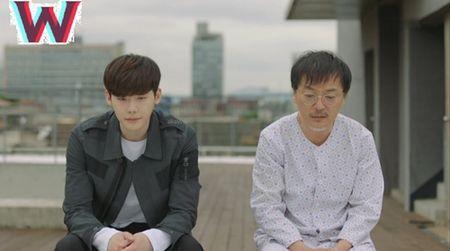 "Hai the gioi tap 14: Lee Jong Suk tim cach ""trieu hoi"" nguoi yeu tu coi chet - Anh 1"