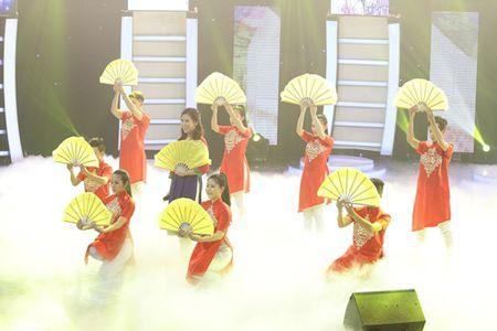 "Ban sao 15 tuoi cua Le Quyen duoc Doan Trang khen ""qua ghe va rat tinh"" - Anh 10"