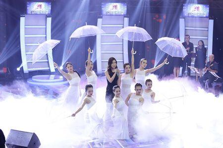 "Ban sao 15 tuoi cua Le Quyen duoc Doan Trang khen ""qua ghe va rat tinh"" - Anh 11"