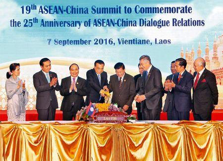 Thu tuong du Hoi nghi cap cao ASEAN 29 va ASEAN+1: Viet Nam mong ASEAN va Trung Quoc tuan thu UNCLOS - Anh 1
