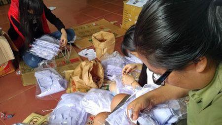 Gia Lai: Phat hien co so ban hang hoa gia mao nhan hieu Viet Tien - Anh 1