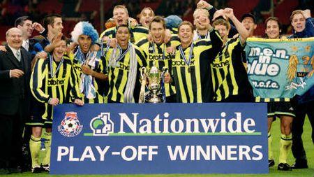 Derby nong NHA: Khi MU an 3, Man City da giai hang 3 - Anh 2