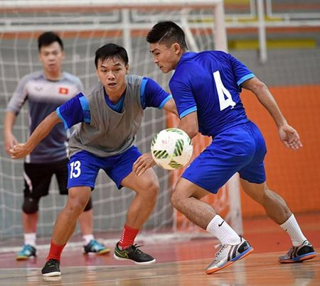 DT futsal VN duoc an ngon, tap sung truoc World Cup - Anh 7
