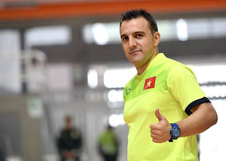 DT futsal VN duoc an ngon, tap sung truoc World Cup - Anh 8