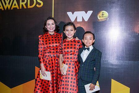 Dan sao Viet long lanh tai trao giai VTV Awards 2016 - Anh 4