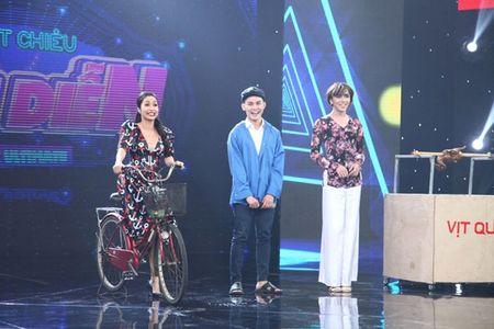 'Tuyet chieu sieu dien': Tien Luat - Thu Trang luc duc vi thi sinh gia gai - Anh 14