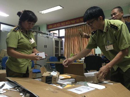 Bat giu san pham tang cuong sinh ly phai manh - Anh 2