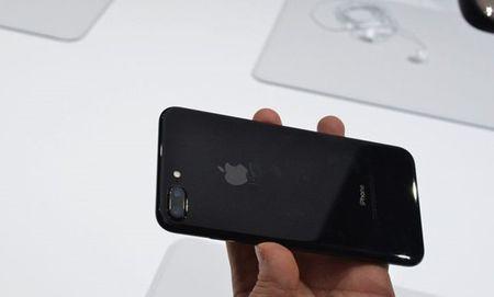 Khuyen cao dac biet cua Apple ve iPhone 7 mau den bong - Anh 1