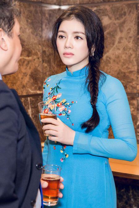 Ly Nha Ky mac ao dai duyen dang gap Tong thong Phap - Anh 5