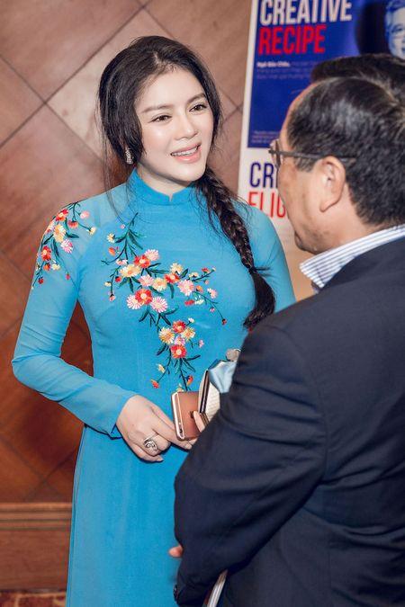 Ly Nha Ky mac ao dai duyen dang gap Tong thong Phap - Anh 6