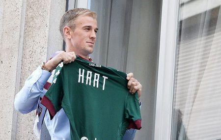 Man City dung 'nui tien' de duoi co Joe Hart - Anh 1
