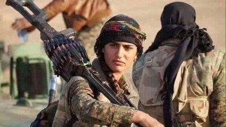 'Angelina Jolie cua nguoi Kurd' hi sinh khi chien dau chong IS - Anh 1