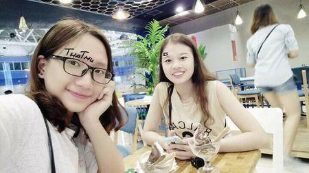 Gai xinh viet chu len nguc che nhao Son Tung M-TP - Anh 5