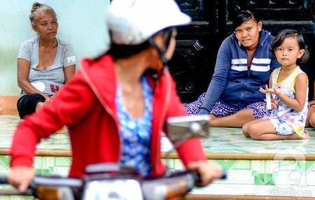 Binh Phuoc: Be gai bi trao nham khong the toi truong - Anh 3