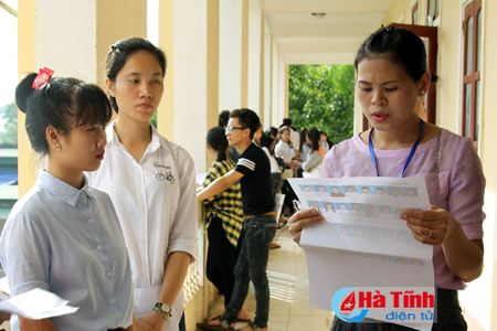 Vi sao Ha Tinh xep cuoi bang mon ngoai ngu o Ky thi THPT quoc gia 2016? - Anh 1