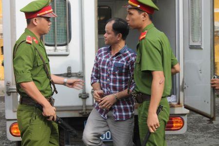 """Phuc tham vu """"con ruoi 500 trieu cua Tan Hiep Phat"""": Nhung hinh anh dau tien cua bi cao - Anh 3"""