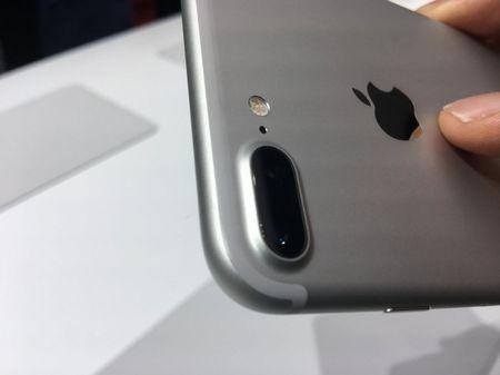 Dot pha bat ngo cua iPhone 7 va iPhone 7 plus - Anh 3