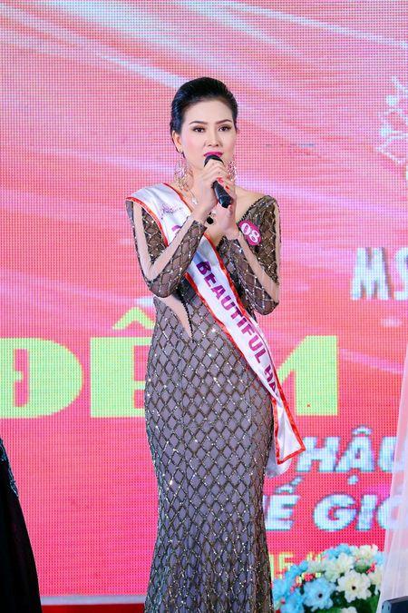 Kim Thoa bat ngo dang quang Hoa hau doanh nhan The gioi nguoi Viet 2016 - Anh 3