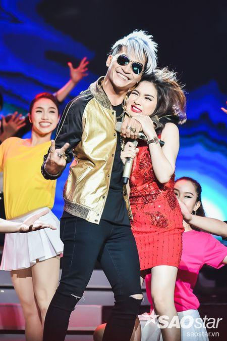 Son Tung M-TP trang tay, Vu Cat Tuong lan dau khoe hit moi toanh - Anh 8