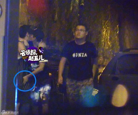 Soc: My nam Cbiz cong khai so soang 'cho hiem' cua ban cung gioi! - Anh 3