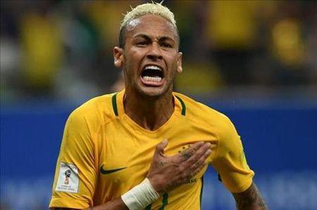 Bat chap met moi, Neymar muon lap tuc choi cho Barca - Anh 1