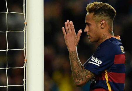 Bat chap met moi, Neymar muon lap tuc choi cho Barca - Anh 2