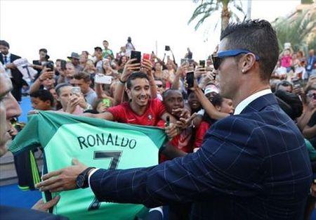 Ronaldo khang dinh se tai xuat tren san co vao cuoi tuan nay - Anh 2