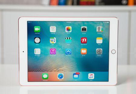 Apple am tham giam gia iPad, khai tu phien ban 16 GB - Anh 1