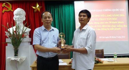 De nghi Chu tich nuoc tang Huan chuong dung cam cho tai xe Phan Van Bac - Anh 1