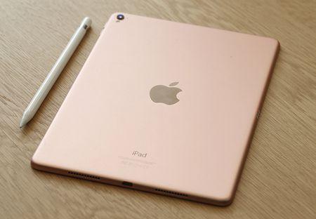 Apple tang dung luong, giam gia cho hang loat iPad - Anh 1