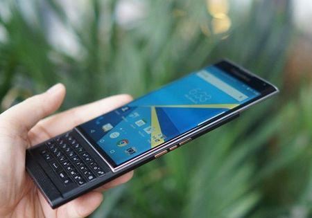 BlackBerry bat ngo giam 6,5 trieu dong cho san pham BlackBerry Priv - Anh 1