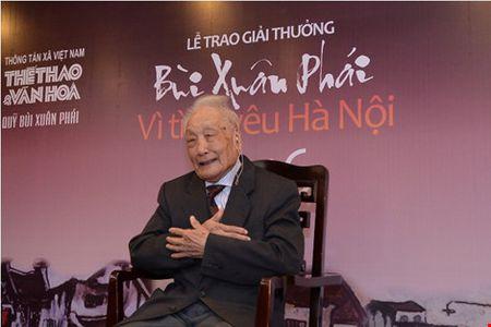 Ha Noi ao dieu qua ong kinh cua tay may gan 100 tuoi - Anh 1