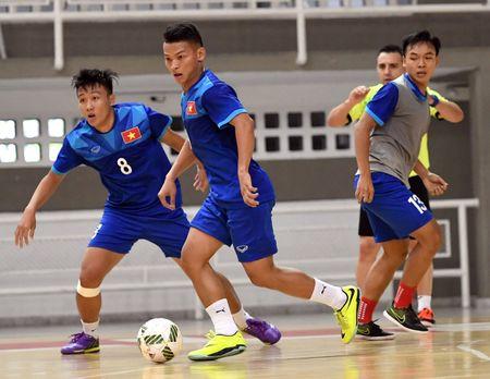 Tuyen futsal Viet Nam co dau bep rieng tai Colombia - Anh 7