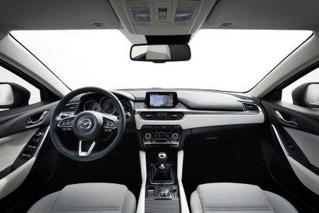 Nhung cong nghe noi bat tren Mazda 6 doi 2017 - Anh 3
