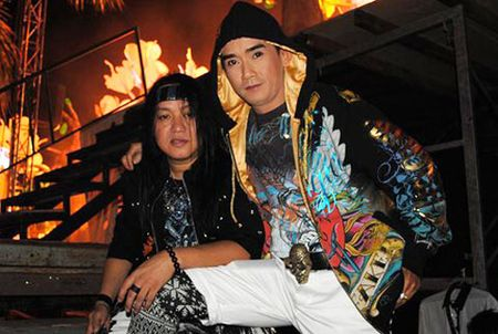 Bi kich va phep mau trong cuoc doi ca si Minh Thuan - Anh 3