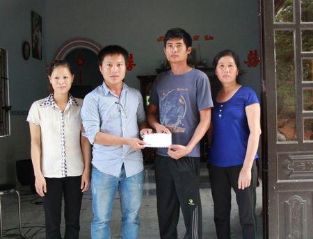 De nghi tang Huan chuong cho tai xe cuu xe khach - Anh 2