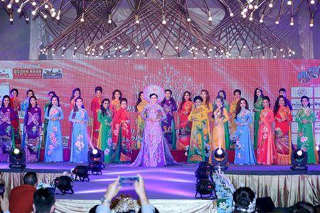 Kim Thoa dang quang Hoa hau Doanh nhan the gioi nguoi Viet - Anh 1