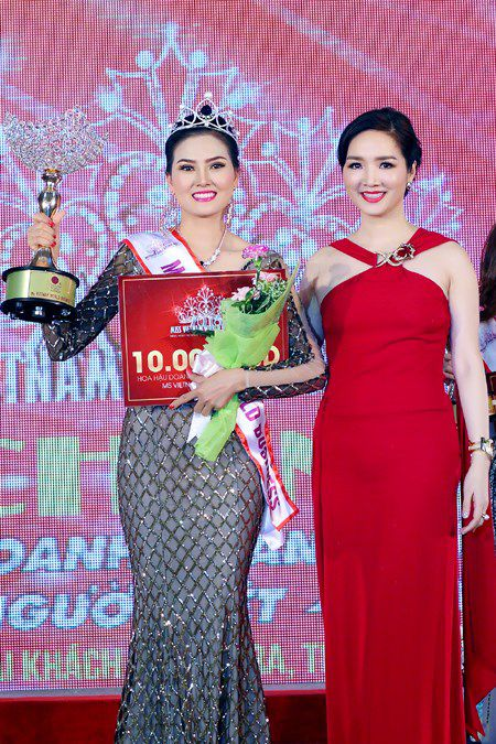 Kim Thoa dang quang Hoa hau Doanh nhan the gioi nguoi Viet - Anh 3
