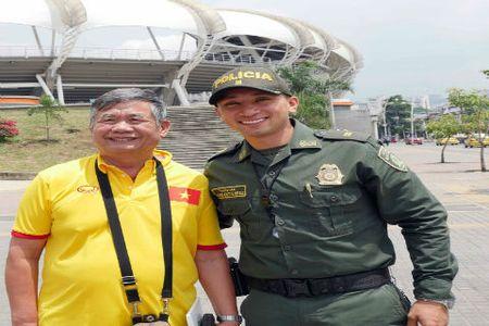 Tuyen futsal Viet Nam duoc bao ve nghiem ngat - Anh 3