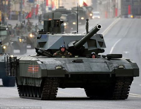 Chum anh: 100 sieu tang Armata dau tien moi duoc Nga dau tu thach thuc phuong Tay - Anh 1