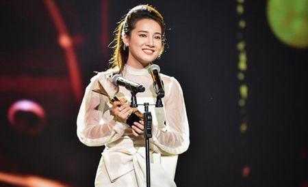 'Zippo, mu tat va em' thang lon tai le trao giai VTV Awards 2016 - Anh 2