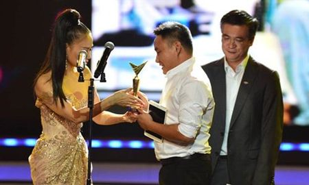 'Zippo, mu tat va em' thang lon tai le trao giai VTV Awards 2016 - Anh 7